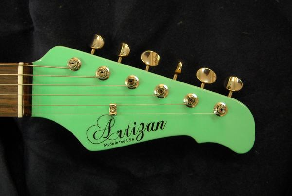 Artizan Surf Green Strat With Vintage Trem Image