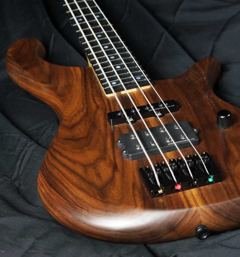 Artz Zonk Bass - Walnut  Image